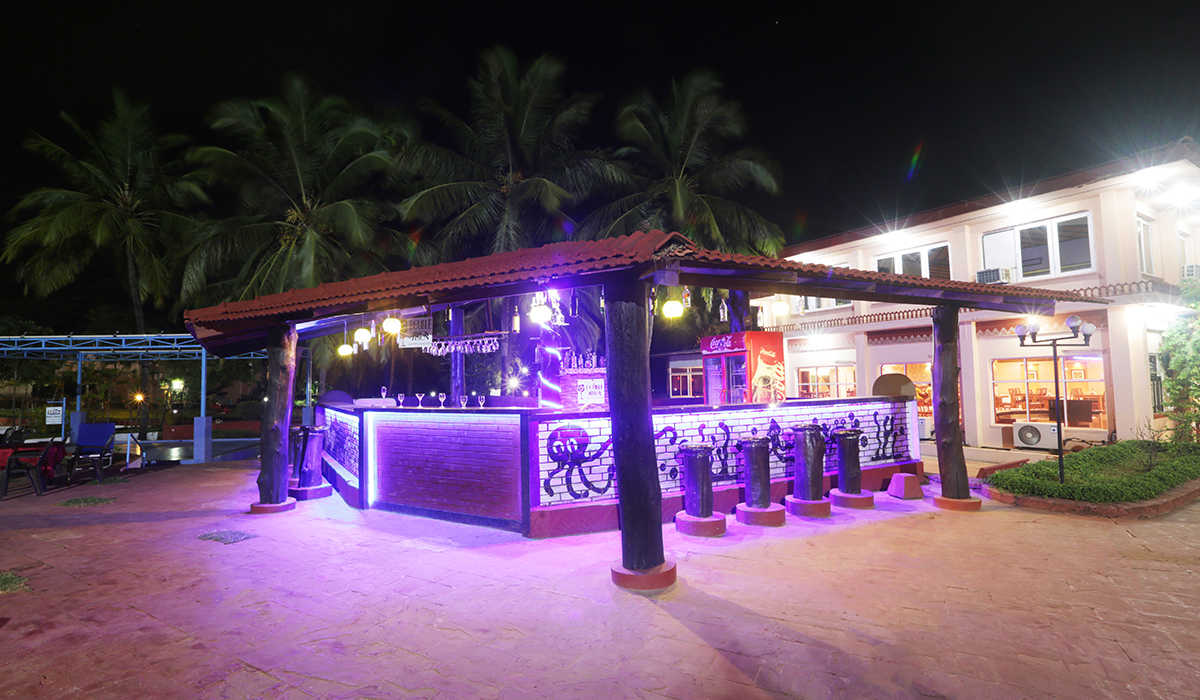 Pool Side Bar