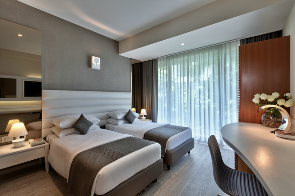 Deluxe Twin Beds